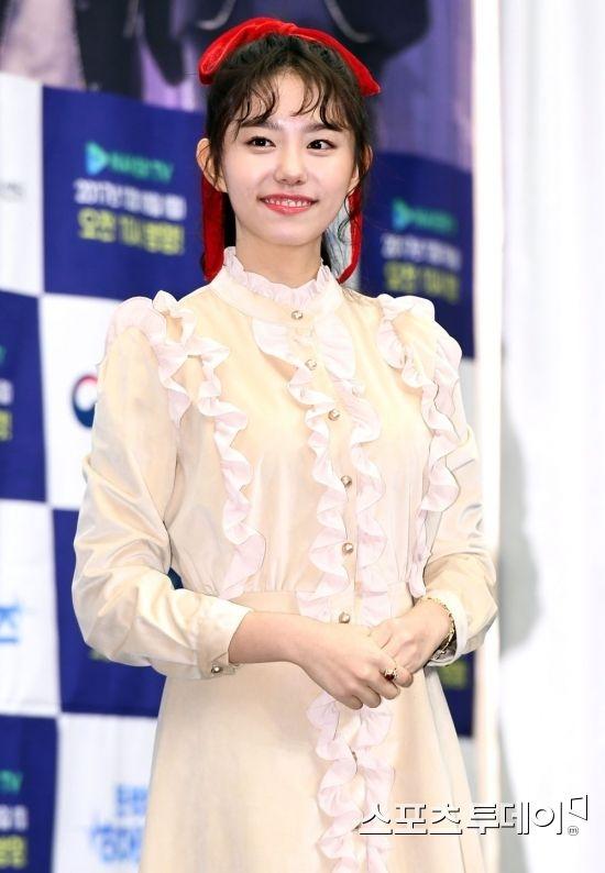 김소혜 \\\'과즙 미소\\\'