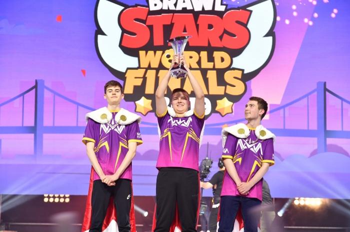 [사진 1] 초대 챔피언 팀_Nova Esports.jpg