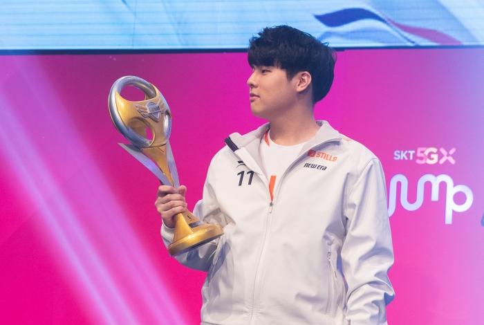 [사진2] 2020 SKT JUMP 카트라이더 리그 시즌1 문호준 선수 개인전 우승.jpg